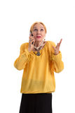 Donna maggiore con il telefono delle cellule Fotografie Stock Libere da Diritti