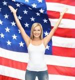 Donna in maglietta bianca in bianco Fotografia Stock Libera da Diritti