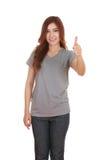 Donna in maglietta in bianco con i pollici su Fotografie Stock Libere da Diritti