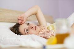Donna malata Immagini Stock