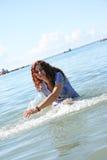 Donna in mare Fotografia Stock
