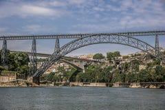 Donna Maria Pia most - kolejowy most nad rzeką w Porto zdjęcie royalty free