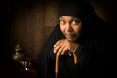 Donna musulmana africana pensierosa Immagini Stock Libere da Diritti