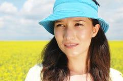 Donna in natura fotografia stock libera da diritti