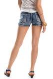 Donna nei brevi shorts dei jeans Fotografia Stock Libera da Diritti