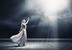 Donna nel bianco Fotografia Stock