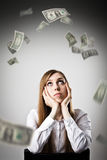 Donna nel bianco e nei dollari Fotografia Stock