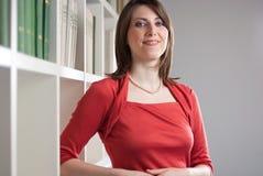 Donna nel colore rosso 2 Immagini Stock Libere da Diritti