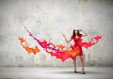 Donna nel colore rosso Immagini Stock Libere da Diritti