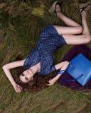 Donna nel concetto dell'editoriale di alta moda Fotografia Stock Libera da Diritti