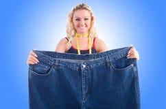 Donna nel concetto stante a dieta Fotografie Stock Libere da Diritti