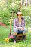 Donna nel giardino Immagine Stock