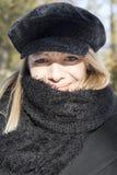 Donna nel nero fotografia stock