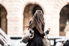 Donna nella città Immagine Stock