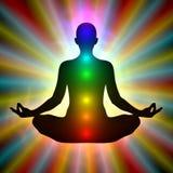 Donna nella meditazione - aura, chakras royalty illustrazione gratis
