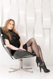 Donna nella sedia Immagine Stock Libera da Diritti