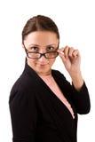 Donna in occhiali che lo esaminano Immagine Stock Libera da Diritti