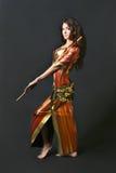 Donna orientale del cabaret del danzatore Fotografie Stock Libere da Diritti