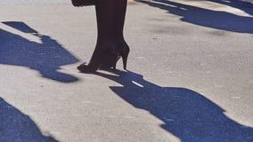 Donna in pattini dell'alto tallone fotografie stock libere da diritti