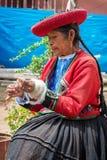 Donna peruviana in Chinchero Fotografia Stock