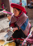 Donna peruviana in Chinchero Fotografie Stock