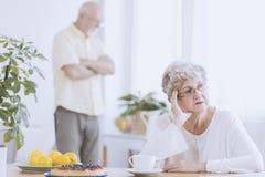 Donna più anziana arrabbiata fotografia stock libera da diritti