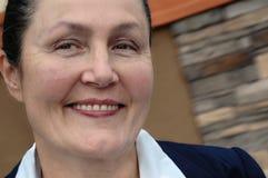 Donna più anziana molto attraente dentro Fotografie Stock Libere da Diritti