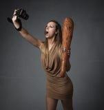 Donna preistorica con la macchina fotografica immagine stock libera da diritti