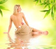 Donna pronta per il trattamento della stazione termale Fotografie Stock
