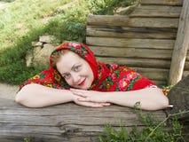 Donna russa in una sciarpa Fotografie Stock Libere da Diritti