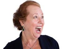 Donna senior che mostra un'espressione sorpresa Immagini Stock