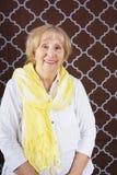 Donna senior con la sciarpa Fotografia Stock Libera da Diritti