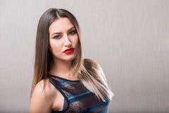 Donna sensuale con le labbra rosse Fotografie Stock Libere da Diritti