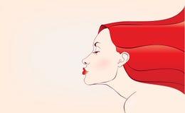 Donna sensuale di Beautifull giovane con capelli rossi Fotografia Stock