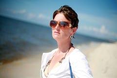 Donna sexy alla spiaggia Fotografie Stock Libere da Diritti