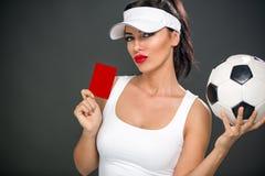 Donna sexy che dà cartellino rosso Immagine Stock Libera da Diritti