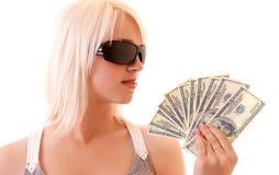 Donna sexy con gli occhiali da sole ed i dollari Immagine Stock Libera da Diritti
