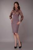 Donna sexy di affari di bellezza nell'ente esile perfetto del vestito da modo Immagini Stock Libere da Diritti
