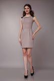 Donna sexy di affari di bellezza nell'ente esile perfetto del vestito da modo Immagine Stock Libera da Diritti