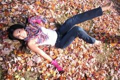 Donna sexy di modo di caduta all'aperto Fotografia Stock