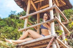 Donna sexy nelle vacanze estive alla spiaggia Fotografia Stock Libera da Diritti