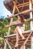 Donna sexy nelle vacanze estive alla spiaggia Immagine Stock Libera da Diritti