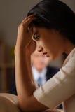 Donna sollecitata allo psicologo Fotografia Stock