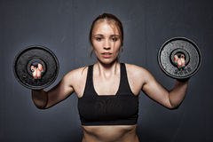 Donna - sollevamento pesi Immagini Stock