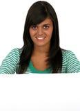 Donna sorridente attraente Fotografie Stock Libere da Diritti