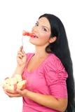 Donna sorridente in buona salute che mangia anguria Fotografia Stock Libera da Diritti