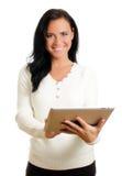 Donna sorridente con il pc del ridurre in pani. Fotografia Stock