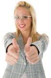 Donna sorridente di affari con i pollici in su Fotografia Stock Libera da Diritti