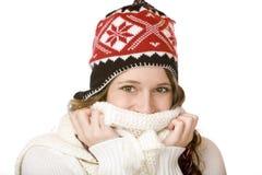 Donna sorridente felice con la protezione e la sciarpa Fotografia Stock Libera da Diritti