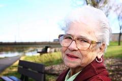 donna sorridente maggiore fotografie stock libere da diritti